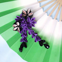 Kiku in purple kanzashi by elblack