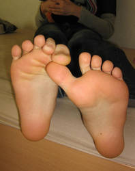 Soft Soles n Lovely Toes Again by SelfshotYourFeet