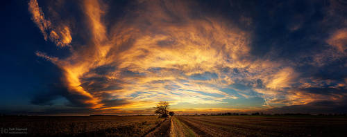 Hungarian skies pt.CLXI. by realityDream