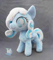 Snowdrop Plush by dollphinwing