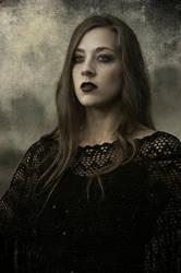 Raven's girl IV by elzbietakocieda