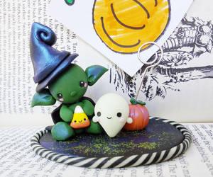 Cute halloween picture holder by Thekawaiiod