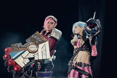 Cosplay: League Of Legends - Vi and Jinx by Lika-Lu