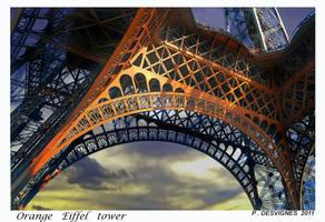 eiffel tower by bracketting94
