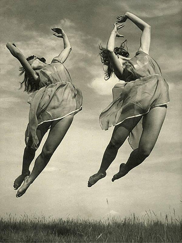 Vintage Dancers by SolStock