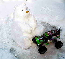 bear and Grave Digger by hannay1982