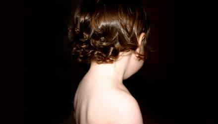 her momma's curl by britt-lipy