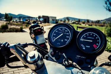 Honda BROS tach and rev meter by n0i2