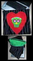 Laptop Case Skull by DarkDollArt