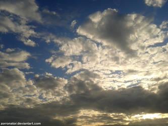 Gettin' cloudy by Zorronator