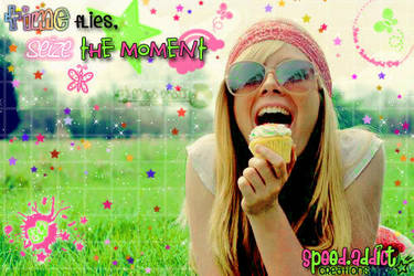 live the moment by veintiochojota