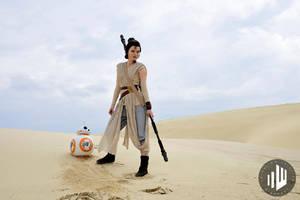 Rey on Jakku [Star Wars VII] by FaerieBlossom