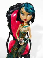 MH Custom - Esmeralda by periwinkleimp