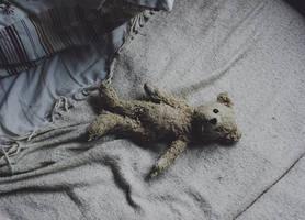 sad bear by laura-makabresku
