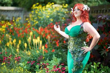 Poison Ivy Cosplay by Seraphlyn