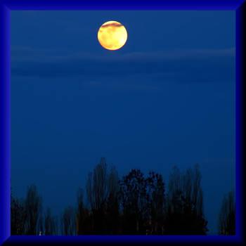 Full Moon by Aivaseda