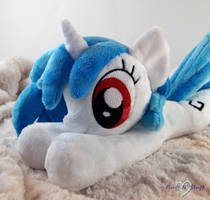 Vinyl Scratch by SailorMiniMuffin