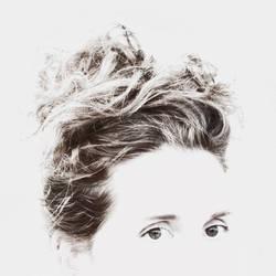 Hair and eyes by cyrano82