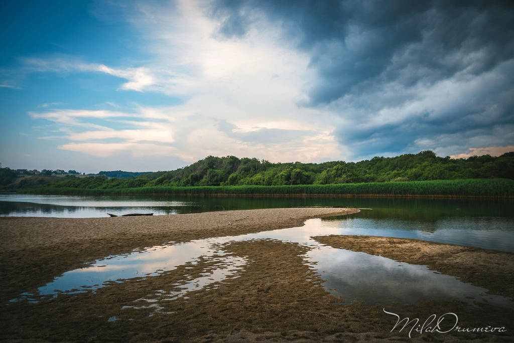 Before the storm by Zelma1
