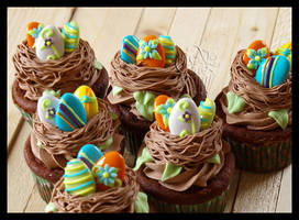 Easter Nest Cupcakes by CakeUpStudio