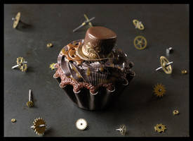 Steampunk + Cupcake = Steamcup by CakeUpStudio