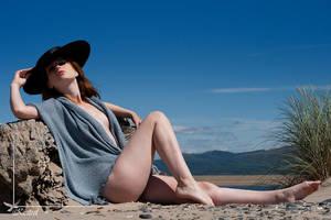 fashion beach 2 by Arielle-Fox