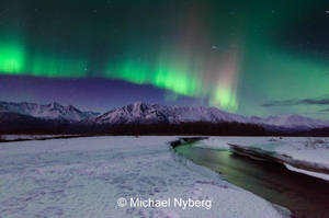 Aurora with Meteor by mikewheels