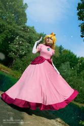 Super Mario - Princess Peach by Rei-Suzuki