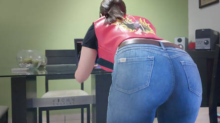 Claire Redfield cosplay dat ass by CodeClaire