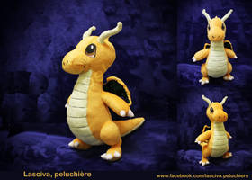 Dragonite custom plush by Peluchiere