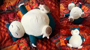 Snorlax custom plush by Peluchiere