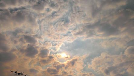 Warm Sky by DaLinzStar