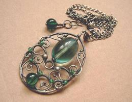 Green vintage necklace by ggagatka