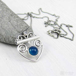 Amade Tiny Swirl Blue Necklace by ggagatka
