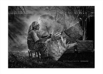 Knitting woven bamboo by heribudianto
