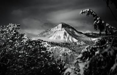 Perren's Peak Morning by jerryhazard