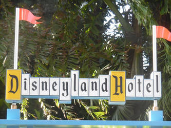 Disneyland Hotel by blunose2772