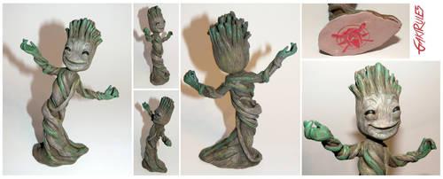 Dancing Groot by GakiRules