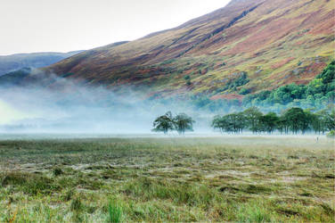 Nieblas en las Tierras Altas by Rizzibuki