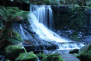 Horseshoe Falls by Manjsche
