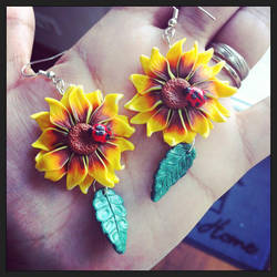 Sunflower and ladybug by Merlyn-Wooden