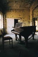 Piano by kearone