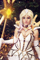 Elementalist Lux - light it up! by AyaruPhotography