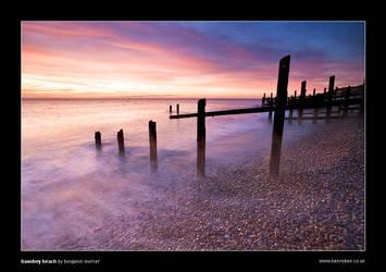 Bawdsey Beach by henroben