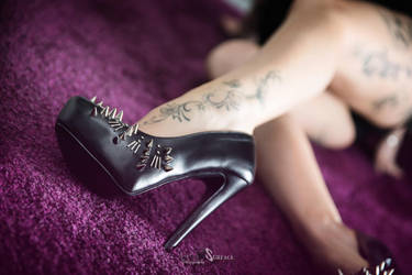 The high heel by Shadow-Pix