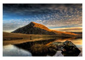 Llyn Idwal sunrise 3 by CharmingPhotography