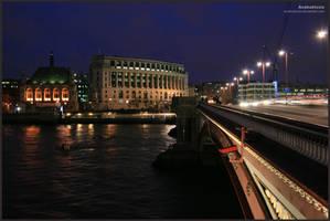 London at night no.1 by Anakuklosis
