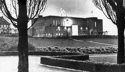 Bielefelder Oetkerhalle im Hitlerpark by Risen-From-The-Ruins