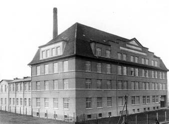 Leuchenfabrik 1928 by Risen-From-The-Ruins