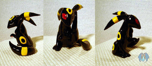 umbreon figure by tierafoxglove